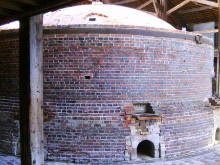 le-grand-four-circulaire-a-flamme-renversee-de-la-maison-de-la-brique-date-de-1923